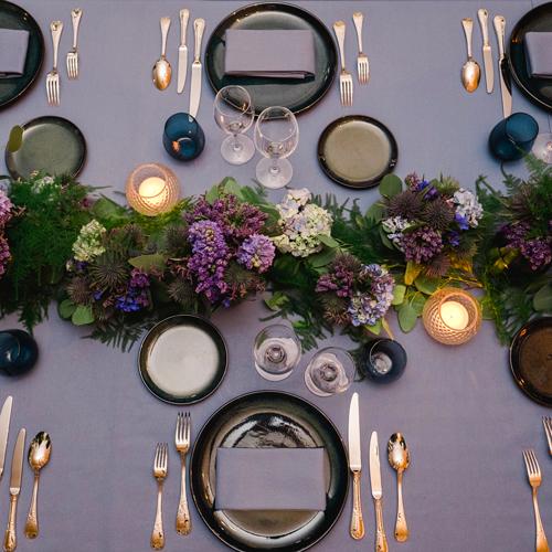 Art de la table aux allures noctures par Sabeha Brunet, wedding planner et organisatrices d'évènements haut de gamme